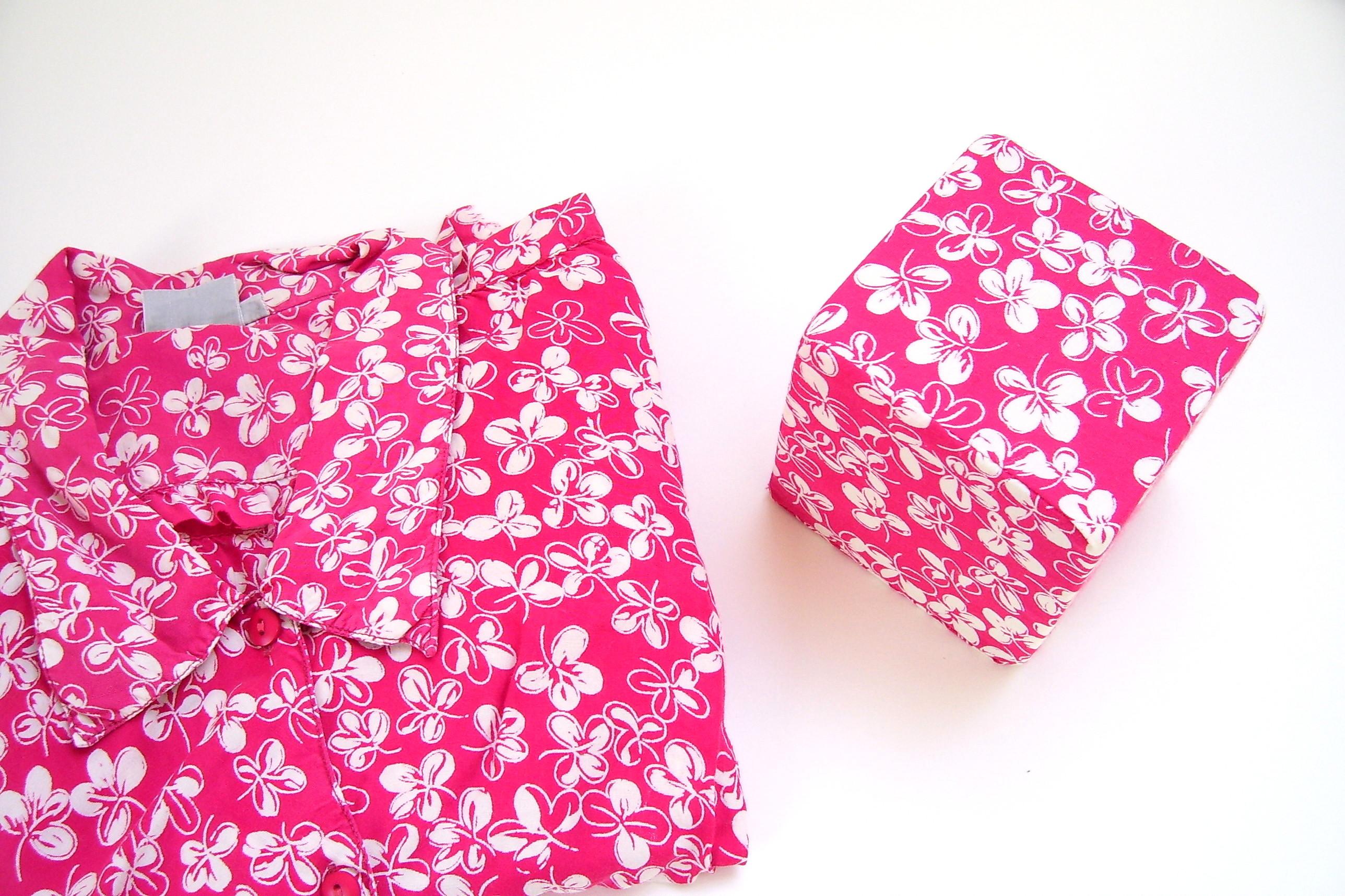 Kleding kubus. Bij het opruimen kan de kubus je helpen om juist herinneringen van kleding te bewaren.