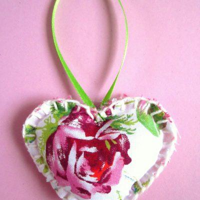 Wenshartje roos, positieve boodschap, handgemaakt, persoonlijk cadeau, wensen, hart onder de riem, lief zijn voor elkaar, cadeautje, glimlach